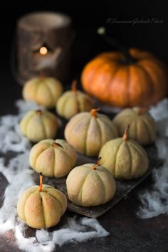 Zucchetta di patate con tonno e olive alla curcuma #antipasti ##HL2019 #idee #appetizer #zucca #ricettahalloween #scheletrinell'armadio #potetos Olive, Zombie, Pumpkin, Panini, Vegetables, Recipes, Food, Ideas, Pumpkins