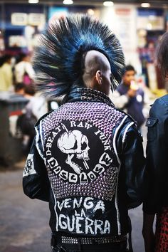 Studded Punk Rock MC Motorcycle Jacket chaos to Couture all over the world street everywhere Style Punk Rock, Punk Rock Grunge, Punk Rock Fashion, New Wave, Punk Mohawk, Punk Guys, Rockabilly, Punk Jackets, Battle Jacket