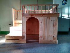Casa para perro en madera de pino by Viruta Diseño.