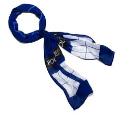 Never go anywhere without your trusty TARDIS Lightweight Scarf. This TARDIS goes around your neck to keep it warm. It's stylish and geeky. Doctor Who Decor, Doctor Who Gifts, Doctor Who Tardis, Doctor Who Merchandise, Geek Decor, Lightweight Scarf, Geek Gifts, Geek Chic, Halloween Costumes