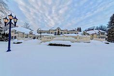 Baronial Estate In Ontario, Canada 109