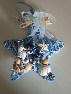 Luau Party Crafts, Beach Themed Crafts, Sea Crafts, Diy And Crafts, Seashell Art, Seashell Crafts, Beach Jar, Shell Wreath, Summer Crafts