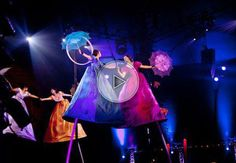 Swinging poles | Troup | Chinese pole | Circus performers | Performers | Entertainment Agency | Corporate Event Entertainment