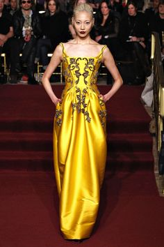 Zac Posen Fall 2013 RTW - Review - Fashion Week - Runway, Fashion Shows and Collections - Vogue - Vogue