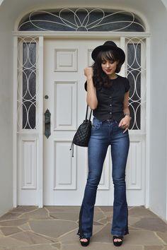 Look jeans flare com aplicação de renda blog Ela Inspira - http://www.elainspira.com.br/look-love-like-this/