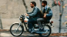 Nema-ye Nazdik - 1990 - Iran