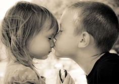 Photos of Children in Love: Pure and Touching Child Love, Baby Love, Cute Babies, Baby Kids, Kids Kiss, Cute Kiss, Sweet Kisses, Young Love, Love Photos