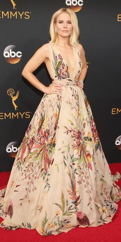See the Hottest Looks from the 2016 Emmy Awards Red Carpet - Kristen Bell from InStyle.com