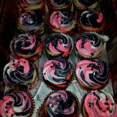 Zebra Cupcakes for Ari's B-Day Party!