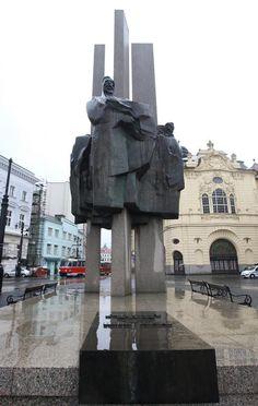 Bratislava, Statue Of Liberty, Sculpture, Travel, Beautiful, Statue Of Liberty Facts, Viajes, Statue Of Libery, Sculptures