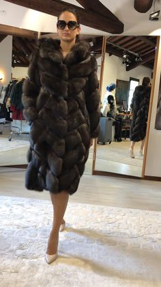 Sable Fur Coat, Black Fur Coat, Long Fur Coat, Fur Coats, Mink Fur, Fur Coat Outfit, Fur Coat Fashion, Fabulous Furs, Fur Jacket
