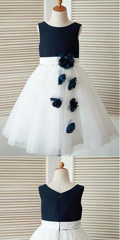 e78c21b41a2962 A-line Scoop Knee-length Tulle Flower Girl Dresses With Handmade Flower Girl