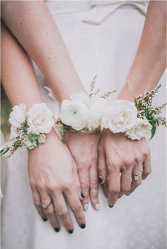 This could be a cute idea! 30 Lovely Corsages For Your Bridesmaids | Weddingomania