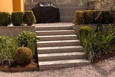 Entrétrappor i betong, sten eller trä utomhus | dinbyggare.se Entrance, Stairs, Cottage, Outdoor Stuff, Home Decor, Garage, Inspiration, Carport Garage, Biblical Inspiration