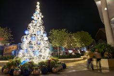 Walt Disney World Sparkles With Holiday Season Magic Throughout The Resort
