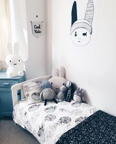 Just adore monochrome kids rooms especially when they're as stylish as this