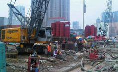 Hong Kong with Sennebogen 690 Piling