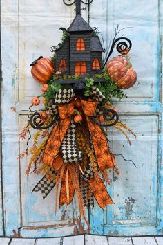 Swag by BoerneGiftCo on Etsy Halloween Haunted Houses, Halloween House, Holidays Halloween, Spooky Halloween, Vintage Halloween, Halloween Crafts, Halloween Wreaths, Halloween Stuff, Happy Halloween