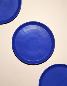 Helen Levi's dinner plates are available in matte cobalt (chic) as well four mismatched glossy solids, inspired by the best-selling dinnerware of all time.