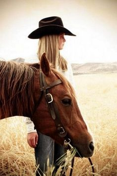 Tonight I'd like to pin a Country Horse Farm in Black and Brown. A cowgirl's life. Foto Cowgirl, Cowgirl And Horse, Horse Girl, Horse Love, Cowgirl Style, Mode Country, Estilo Country, Country Life, Country Living