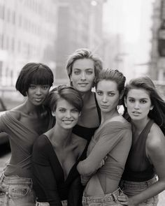 90's supermodels Naomi, Linda, Tatiana, Christy and Cindy by Peter Lindbergh