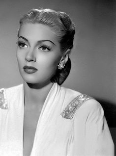 27 years old.Lover of old hollywood and anything vintage. Old Hollywood Stars, Old Hollywood Glamour, Hollywood Actor, Golden Age Of Hollywood, Vintage Glamour, Vintage Hollywood, Vintage Beauty, Classic Hollywood, Hollywood Actresses
