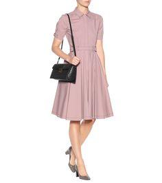 Pleated cotton dress / Patent leather pumps / Intrecciato black leather shoulder bag (Bottega Veneta)