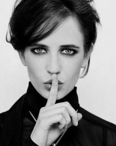 The beautiful French actress Eva Green 🇫🇷 🎥 🤩 Eva Green Images, Green Pictures, ガンダム The Origin, Ava Green, Vanessa Ives, Beautiful Eyes, Beautiful Women, Amazing Eyes, Actress Eva Green