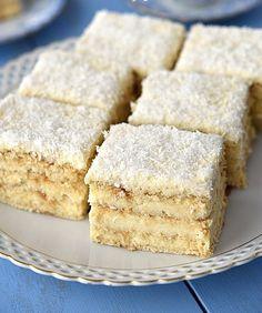 Biscuit au beurre avec noix de coco et pudding - Gebäck / Kuchen - Baking Recipes, Cake Recipes, Dessert Recipes, Food Cakes, 13 Desserts, Ice Cream Recipes, Cake Cookies, No Bake Cake, Baked Goods