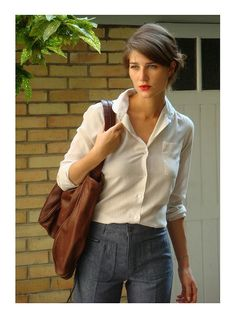 Love the high waisted pants, and love this french blog- notice all the clothes on this post are from 2008! The french so set the trends!