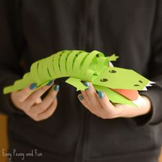 Raise your hands if you are a fan of crocodiles! Well or at least cute paper crocodile craft project Paper Crafts For Kids, Craft Activities For Kids, Craft Stick Crafts, Diy For Kids, Easy Crafts, Kid Crafts, Preschool Crafts, The Enormous Crocodile, Alligator Crafts