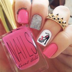 Pink and glitter nails. Shoes nail art. Luxury. Glamour. Nails Polish. Polishes. Beautiful. Chic. by @belacacineli
