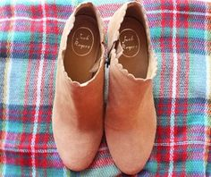 Jack Rogers scalloped booties