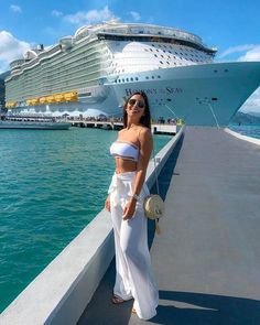 Summer Cruise Outfits, Tropical Vacation Outfits, Mode Outfits, Fashion Outfits, Fashion Ideas, Outfit Strand, Cruise Pictures, Bahamas Pictures, Vetement Fashion