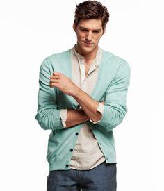 // relaxed Mens Fashion Blog, Fashion Moda, Men's Fashion, Modern Gentleman, Gentleman Style, Mint Cardigan, Green Sweater, Mint Blazer, Mint Sweater