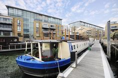 What a fab houseboat, and in the heart of London too!