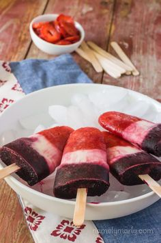 You'll love these Easy Vegan Bomb Pops for a refreshing summertime (or anytime) treat made with strawberries, blueberries, and creamy coconut milk! Best Vegan Desserts, Great Vegan Recipes, Best Cake Recipes, Vegan Dessert Recipes, Sweet Desserts, Dairy Free Recipes, Sweet Recipes, Delicious Desserts, Snack Recipes