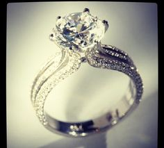 I want this.. Beautiful & unique!!