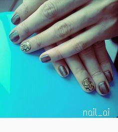 Nail beautiful gold