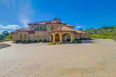 20620 Viento Valle, Escondido, CA 92025. 4 bed, 4 bath, $2,299,000. A property fit for R...