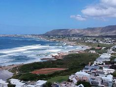 Hermanus is a popular seaside town in South Africa on the famous whale coast route, close to Cape Town. Hermanus, best whale watching in the world Online Blog, Seaside Towns, Whale Watching, Whales, Holiday Destinations, Day Trip, Small Towns, South Africa, Coast