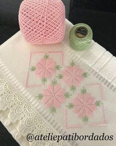 Silk Ribbon Embroidery Designs And Hardanger Embroidery, Hand Embroidery Stitches, Silk Ribbon Embroidery, Hand Embroidery Designs, Embroidery Techniques, Cross Stitch Embroidery, Embroidery Patterns, Cross Stitch Borders, Cross Stitch Flowers