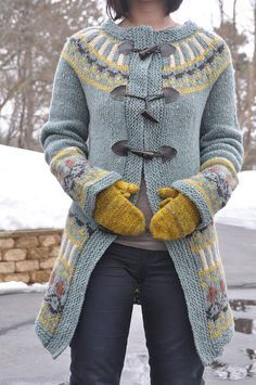 Beautiful knit coat..pattern available on Ravelry