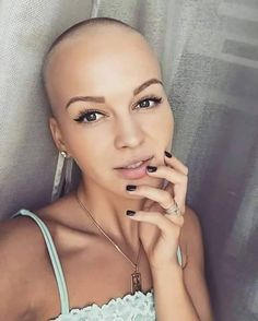 bald is beautiful Pixie Styles, Short Hair Styles, Natural Hair Styles, Revealing Swimsuits, Girls With Shaved Heads, Bald Girl, Bald Women, Hair Tattoos, Girl Short Hair