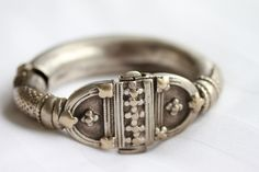 High grade silver hinged bracelet.