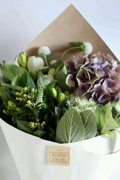 Fresh Farmhouse flower arrangement presentation