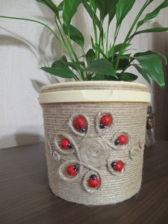 Decor art tin cans 35 Best ideas Diy Crafts For Home Decor, Diy Arts And Crafts, Handmade Home Decor, Wine Bottle Crafts, Bottle Art, Tin Can Crafts, Jute Crafts, Jar Art, Macrame Projects