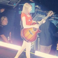 Look! It's Andrea!!!!! Dance With You, Red Tour, Love To Meet, Long Live, Funny Moments, Selena Gomez, Role Models, Taylor Swift, My Idol
