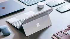 https://www.wired.com/story/surface-go-microsofts-big-bet-on-a-tiny-computer-future/?mbid=social_twitter