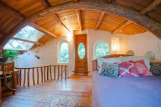This cob house is one of my favorites out there. Built by CobWorks and the Cob Cottage Company in it's the first fully permitted cob house to be built. Cob Building, Building A House, Green Building, Underground Homes, Earth Homes, Natural Building, Design Case, Renting A House, House Design